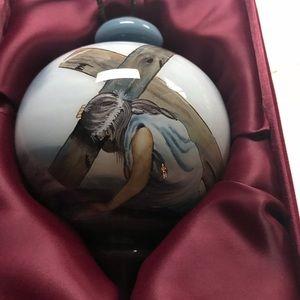 Vintage Ne Qwa Art Ornament